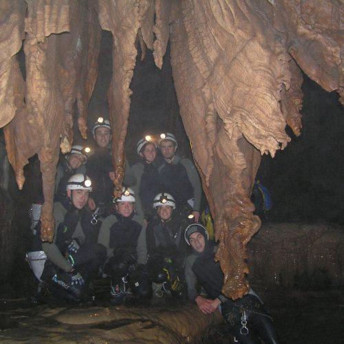 Espeleobarranquismo en las cuevas de valporquero